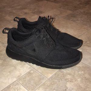 Nike Roche Run Black Shoes